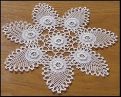 Lace Room Lounge 1 - Home Dekoration Crochet Motif Patterns, Crochet Borders, Crochet Designs, Crochet Stitches, Crochet Doilies, Crochet Flowers, Crochet Lace, Crochet Patron, Irish Crochet