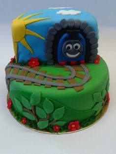 Thomas torta (vaniliás piskóta, vaniliás krém, fondant díszítés)