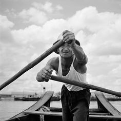 Photo by full-time Chicago nanny Vivian Maier, whose hobby was photography. June 27, 1959, Asia