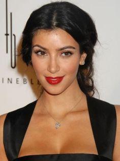 kim-kardashian-and-m-a-c-russian-red-lipstick-gallery.jpg