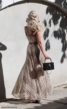 Glances and Vibes - Women's fashion meets music. White Jeans Outfit Summer, Summer Outfits, Boho Fashion, Fashion Outfits, Womens Fashion, Fashion Design, Boho Dress, Dress Up, Dress Outfits