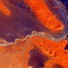 #EarthArt Across the greatest desert - #Sahara. #YearInSpace #desert #earth #art #space #iss #spacestation