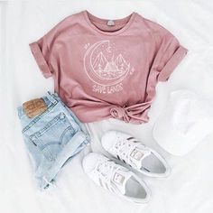 Speichern Sie Lands Cabin Tee - Sommer Mode Ideen - Cool outfits - Source by clothing ideas Cute Teen Outfits, Teenage Girl Outfits, Cute Comfy Outfits, Teen Fashion Outfits, Mode Outfits, Stylish Outfits, Womens Fashion, Cute Teen Clothes, Classy Outfits