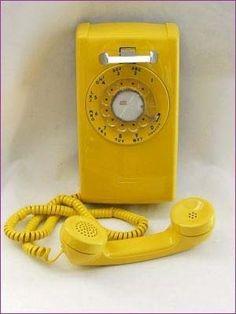 1960s western electric - YELLOW! http://media-cache6.pinterest.com/upload/188306828139467750_kgeIyGee_f.jpg skoory phones