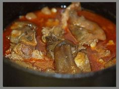 Legfinomabb csülkös körömpörkölt recept - A pörkölt leve ízletes, ragacsos lett, a csontokról levált a hús, bőr.