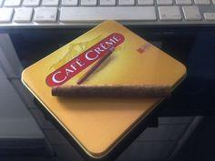 A veces me fumo uno.