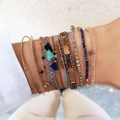 GOOD VIBES only✌️ Dive into the most beautiful time of the year with ravishing bracelets! #new1moment #goodvibesonly