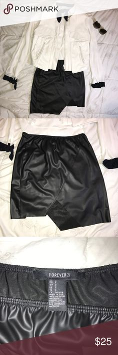 "Forever 21 leather texture asymmetric skirt. 💋 NWOT! NEVER worn. Just like brand new. It just sleep in my closet. One layer, Long: 17.5"" Forever 21 Skirts Asymmetrical"