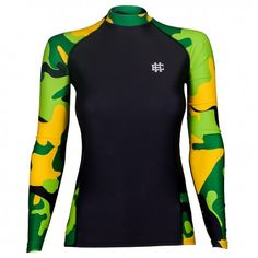 Longsleeve rashguard women WORKOUT. Color: black with green moro. Excellent quality rashguard HOBBY EXTREME is ideal for hard training people who appreciate the highest class of products. Made of high quality material, which, thanks to its flexibility, clings to the body. Sophisticated thermoregulation system by which the body is dry and the muscles warmed up. Sublimated logos (will not scratch).