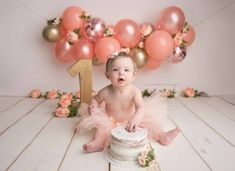 birthday party ideas for your little boy or girl Baby Cake Smash, 1st Birthday Cake Smash, Cake Smash Cakes, Cake Smash Outfit, Birthday Cakes, 1st Birthday Photoshoot, 1st Birthday Party For Girls, Fete Emma, Birthday Girl Pictures