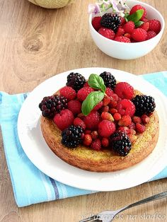 Healthy ricotta omelet with fresh fruits - recipe on the blog (with translator)