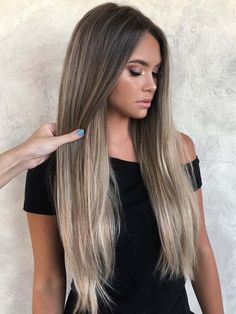 Explore here to copy the stunning looks of long sleek straight hairstyles with modern shades of bronde hair colors in year 2018. Ladies who have naturally long hair or if they wanna sport long hair looks then this post will help them. Just go through this post and learn how to apply this fantastic bronde hair color right now. This color is really the sign of beauty for every woman and teenage girl.
