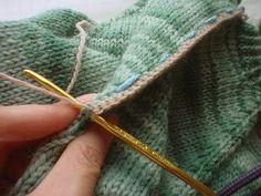 Из пуловера в кардиган или как правильно ра. Knitting Patterns, Crochet Patterns, Diy Bags Purses, Knitting Stiches, Tips & Tricks, Fair Isle Knitting, Crochet Yarn, Pulls, Needlework