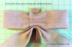 Easy DIY tutorial with pictures on how to make a bow for a wreath! Instructions include how to make a burlap bow with no sewing. Easy Fall Wreaths, Diy Spring Wreath, How To Make Wreaths, Diy Wreath, How To Make Bows, Diy Bow, Diy Ribbon, Ribbon Bows, Ribbons