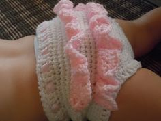 I made some crochet baby bloomers last week, and I must say, they are SUPER cute!   For these bloomers, I used this  basic pattern. I modifi...
