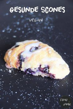 Vegan and healthy! Without sugar, with coconut milk and spelled flour … Do you know scones? Easy Sweets, Vegan Sweets, Healthy Sweets, Healthy Snacks, Vegan Breakfast Recipes, Vegetarian Recipes, Food Cravings, Going Vegan, Food Inspiration