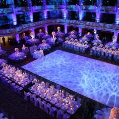 hochzeit location Lighting made all the difference in this lavish white wedding weddingstylemaga Quince Decorations, Quinceanera Decorations, Wedding Reception Decorations, Wedding Themes, Wedding Table, Wedding Styles, Wedding Venues, Wedding Ideas, Quince Themes