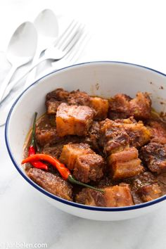 How to Make Pork Binagoongan (Deep Fried Pork Belly in Bagoong) -- salty tasty pork in fermented micro shrimp paste Pork Belly Recipes, Meat Recipes, Cooking Recipes, Healthy Recipes, Filipino Recipes, Asian Recipes, Filipino Food, Filipino Dishes, Comida Filipina