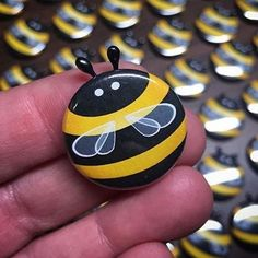 These charming bee pins are the perfect addition to your jacket, hat, backpack or any other place that needs a buzz! Hand-crafted in Chicago by Kymm! Pebble Painting, Pebble Art, Stone Painting, Bee Rocks, Ladybug Rocks, Bee Crafts, Rock Crafts, Rock Painting Patterns, Painted Rocks Kids