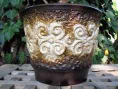 Large 1950s Ü-Keramik Uebelacker Planter 177/15 – vintage Mid Century – WGP German Pottery – Fat Lava – relief pattern, brown earth shades von everglaze auf Etsy