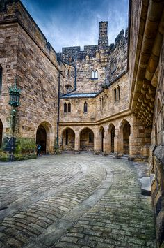 Inner Courtyard, Alnwick Castle (1194×1800) Uk D, Alnwick Castle, Manor Houses, Medieval Castle, Palaces, Castles, Fairytale, Fantasy, Mansions
