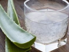 Incredible Benefits of Aloe Vera Juice: Different parts of the aloe vera plant are used for different purposes. You can prepare fresh aloe vera juice at home to enjoy its potent health benefits. Aloe Barbadensis Miller, How To Relieve Heartburn, Natural Remedies For Heartburn, Aloe Plant Care, How To Treat Pcos, Stop Acid Reflux, Health Desserts, Health Foods, Home Remedies