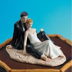 La figurine de mariage couple allongé