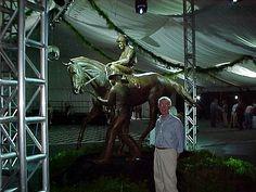 Ed Bogucki at the unveiling of his bronze statue of Secretariat, jockey Ron Turcotte & groom Eddie Sweat. Kentucky Horse Park 2004