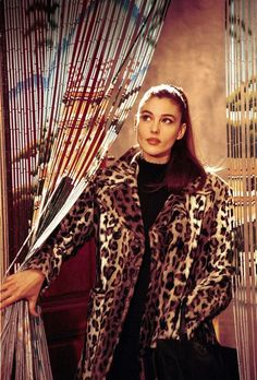 Прошло 35 лет, а Моника Беллуччи все так же прекрасна, как и в юности