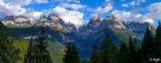 """Dolomiti di Brenta occidentali: paesaggi """"canadesi"""" a 50 km da Trento. Al centro la Val Brenta ● http://girovagandoinmontagna.com/gim/adamello-presanella/(gruppo-presanella)-giro-dei-5-laghi-alla-conca-dei-serodoli/"""