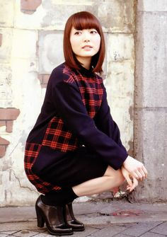 Kana Hanazawa, Plaid Scarf, Turtle Neck, Poses, Actresses, Sexy, Pretty, Cute, Sweaters