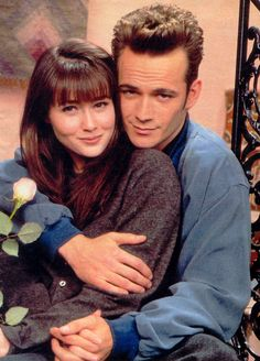 2. Brenda and Dylan from We Ranked All of Beverly Hills, 90210's Best Couples  The relationship that started it all.