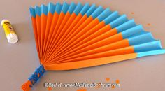 Summer activity: it makes accordion paper fans to the wind