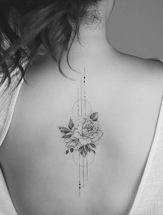 Floral Back Tattoos, Flower Spine Tattoos, Girl Back Tattoos, Ladies Back Tattoo, Spine Tattoo Placements, Tattoo On Back, Tattoo Spine, Back Tattoos Spine, Placement Tattoo