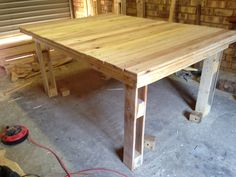 6 seater dining room table made from old pallets Old Pallets, Dining Room Table, Rustic, Furniture, Home Decor, Carpentry, Woodworking, Wooden Stools, Country Primitive