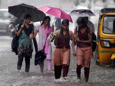Schools and colleges in Cuddalore, Karaikal, Chennai, Thiruvallur districts and Puducherry will be closed on monday because of the heavy downpour. Native Place, South India, Capital City, Chennai, Rain, Live News, Cities, Beautiful, Rain Fall