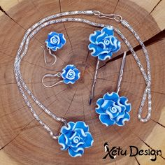Rose set - handmade polymer clay flowers necklace earrings and hairpins by XetuDesign on Etsy Handmade Silver, Handmade Jewelry, Unique Jewelry, Handmade Gifts, Polymer Clay Flowers, Clay Design, Handmade Polymer Clay, White Roses, Hair Pins
