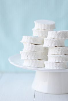 """vanilla bean marshmallows by Annie's Eats: Use to make those """"clouds in my cocoa"""" pin!"""