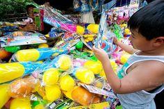 Conozca el Festival de Agua de Songkran, en Bangkok, Tailandia. Visite nuestra página y sea parte de nuestra conversación: http://www.namnewsnetwork.org/v3/spanish/index.php #nnn #malasia #bernama #malaysia #kl #bangkok #tailandia #thailandia #songkran #festival #noticias #news #tradicion #fiesta #party