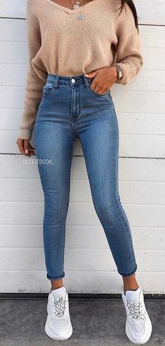 blue jeans #spring #outfits Outfits For Teens, Trendy Outfits, Fashion Outfits, Womens Fashion, Sporty Outfits, Teen Fashion, Fall Winter Outfits, Spring Outfits, Tumblr Outfits