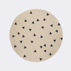 Runder Kinderteppich, Dreiecke schwarz, aus Jute, 100 cm, von Ferm Living
