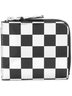 Black and white calf leather coin purse from Comme Des Garçons Wallet. This item is unisex. Purse Wallet, Coin Purse, Girls Are Awesome, Burberry Classic, Arrow Earrings, Jeweled Sandals, Jungle Print, Comme Des Garcons, Unisex