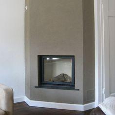 Een strakke haard in de hoek! Corner Gas Fireplace, Home Fireplace, Living Room With Fireplace, Fireplace Design, Mod Living Room, Recessed Electric Fireplace, Flat Ideas, Home Decor Kitchen, Plymouth