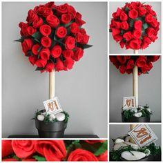 Topiario con 96 rosas rojas realizadas en fieltro
