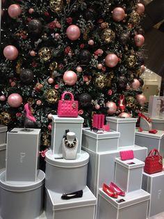 ~Dior Noël au Printemps | The House of Beccaria - caixas em cinza e branco GOSTO!