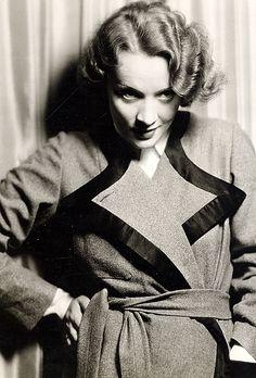 Marlene Dietrich (ca.1931).