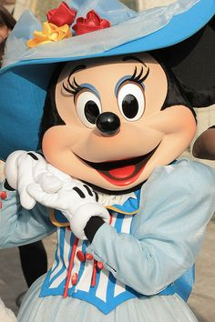 Minnie Mouse in American Waterfront by (nagi), via Flickr