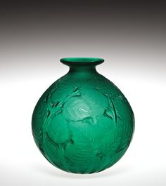 Milan by Rene Lalique, designed in 1929 - Corning Museum of Glass