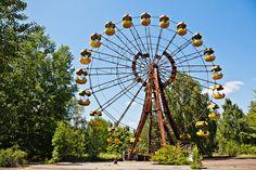 Ferris Wheel Near Chernobyl | photography by http://www.lindsaycomer.com/