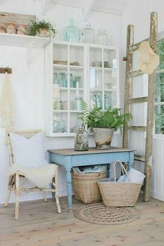 Shabby Art Boutique presents the Shabbilicious Sunday Series. This week we visit Vibeke Design. Tour her beautiful home and new garden house, plus get Vibekes tips on decorating. Click now to read or PIN for later. Shabby Chic Kitchen, Farmhouse Kitchen Decor, Rustic Kitchen Design, Chic Decor, Cottage Decor, Chic Home Decor, Home Decor, European Farmhouse, Shabby Chic Furniture
